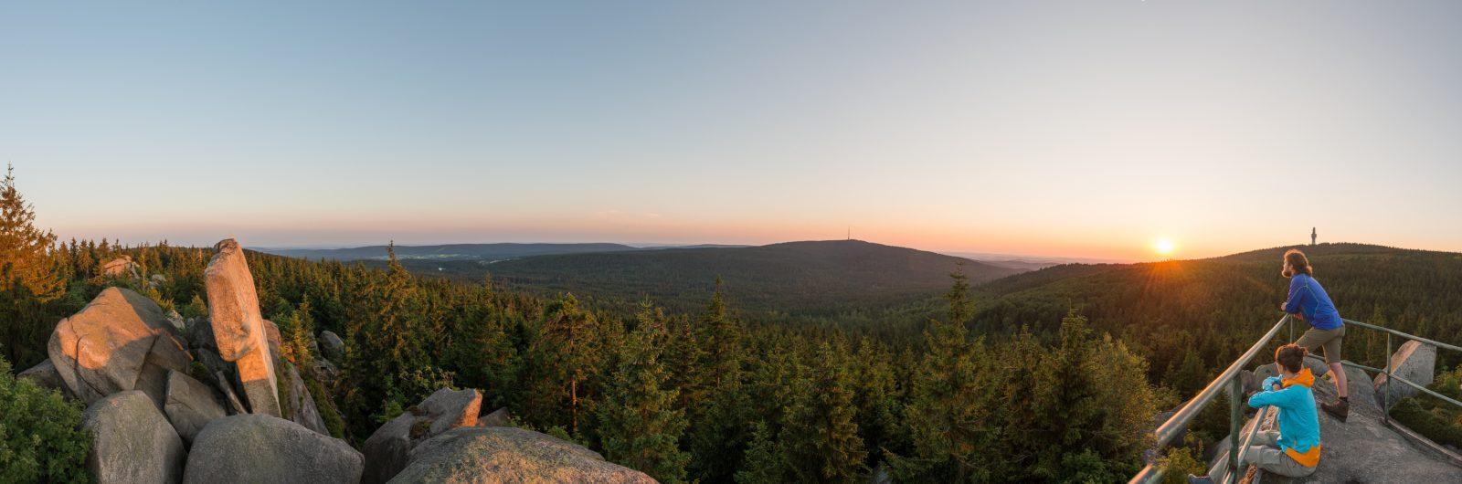 Abendstimmung mit Blick auf Schneeberg und Ochsenkopf